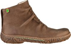 Trouvez vos chaussures N755 Denia Kaki / Nido pour femme et plus dans les chaussures et les accessoires, le tout dans notre boutique El Naturalista