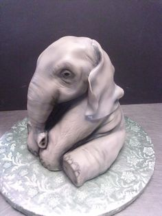 elephant By mrsprinkles on CakeCentral.com    Amazing cake art work !
