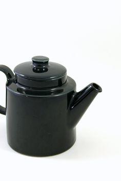 Arabia Teema Tea Pot in Black Designed by Kaj Franck