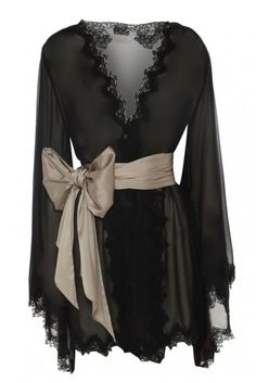 Lucile lingerie, scalloped edges and massive silk bow. I've always wanted a gorgeous robe like this one.