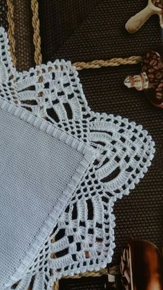 Lapghans Crochet - Basic Embroidery Stitches Embroidery stitch for beginners Crochet Edging Patterns, Crochet Lace Edging, Crochet Borders, Doily Patterns, Crochet Doilies, Crochet Baby, Knit Crochet, Basic Embroidery Stitches, Crochet Stitches