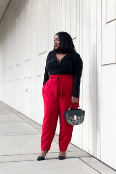 Dog Treat Recipes, Healthy Dog Treats, Red Pants Outfit, Plus Size Fashion, Style Me, Harem Pants, Street Style, Chic, Wear Red