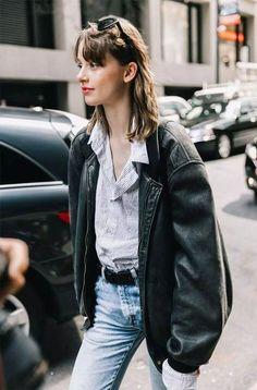it-girl - Shirt-Mom-Jeans-Jacket-Leather-Oversized - Leather jacket - Winter ... #jacket #jeans #leather #oversized #shirt