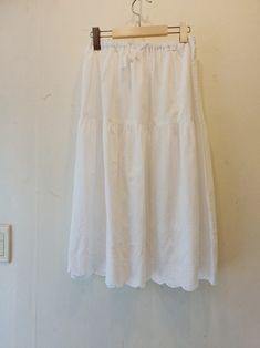 광장동옷가게 ㆍ꽃놓고수놓고ㆍ광진구광장동옷가게 : 네이버 블로그 White Shorts, Women, Fashion, Moda, Fashion Styles, Fashion Illustrations, Woman