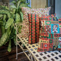 These fun and festive home décor pillows can fill any room with holiday spirit! Find this @fabric.com  #bespringscreative #baxtermillarchive #santafecollection #holiday #gift #christmas #diy #makersgonnamake #sew #sewing #sewersofinstagram #instasew #crafts #crafters #fabricstack