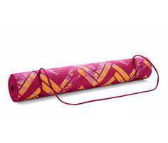 Yoga-Matte für 17,95€ - Ob entspannend oder fordernd, ob zu Hause oder draußen: Mit dieser beidseitig strukturierten Yoga-Matte wird das Training zum Vergnügen! Die Sportmatte hat eine rutschhemmende Ober- und Unterseite und bietet durch ihr hochelastisches Material eine optimale Dämpfung.