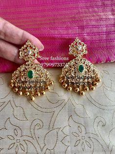 Gold-Schmuck-Design in pakistan Gold Jhumka Earrings, Indian Jewelry Earrings, Jewelry Design Earrings, Gold Earrings Designs, Gold Jewellery Design, Handmade Jewellery, Diamond Jewellery, Gold Jewelry Simple, Silver Jewelry