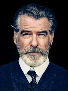 Portrait Photography Inspiration Picture Description Pierce Brosnan Jokes His Wife Is 'Very Fond' of the Beard He Grew for 'The Son'. Men's Healthy Beards And Mustaches, Moustaches, Grey Beards, Foto Face, Foto Glamour, Hair And Beard Styles, Hair Styles, Short Beard Styles, Beard Styles For Men