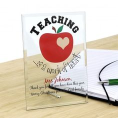 This personalised glass plaque is perfect for a lasting gift to give your teacher. This printed glass plaque comes with bevelled edges and a chrome stand which is easily put in place.