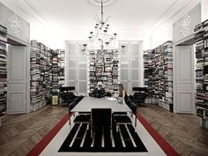 Karl Lagerfelds Library