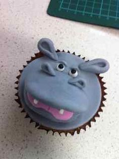 Hippo cupcakes---!! One day if I'm feeling super patient and creative, I will try this. I love hippos!!
