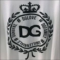 Dolce & Gabbana T-Shirt Branded Merchandising – Fixtures Close Up Dolce Gabbana T Shirt, Visual Merchandising, The Help, Hooks, Retail, Shape, Shirts, Fashion, Moda