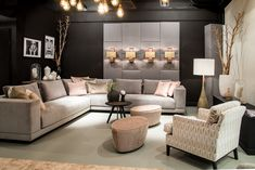 Bank Bob by BAAN I sfeerimpressie I voorjaarsbeurs 2018 Furniture For You, Luxury Furniture, Luxury Living, Luxury Lifestyle, Bob, Dining Room, Couch, Interior Design, Spring Collection