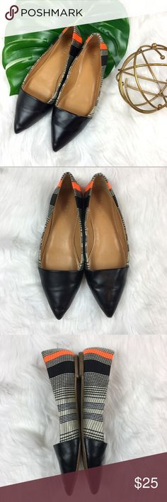 J.Crew Factory Flats J.Crew Factory pointed toe black, orange, and grey flats. Size 7. Pre-owned condition with some wear. A few small spots but nothing super noticeable. These have plenty of life left to give.  ❌I do not Trade 🙅🏻 Or model💲 Posh Transactions ONLY J. Crew Factory Shoes Flats & Loafers