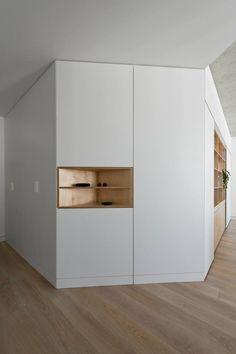 armarios y mueble separador.