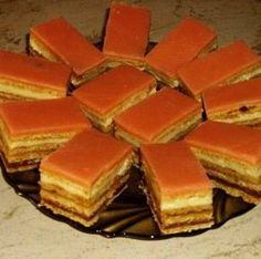 Mézes-puncsos szelet Keto Recipes, Cake Recipes, Dessert Recipes, Cooking Recipes, Hungarian Desserts, Hungarian Recipes, Hungarian Food, Cheesecake Pops, Love Food