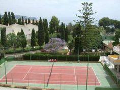 Nice tenniscourts in La Herradura! http://www.spanish-school-herradura.com/programmes-spain/spanish-and-sports/spanish-and-tennis/