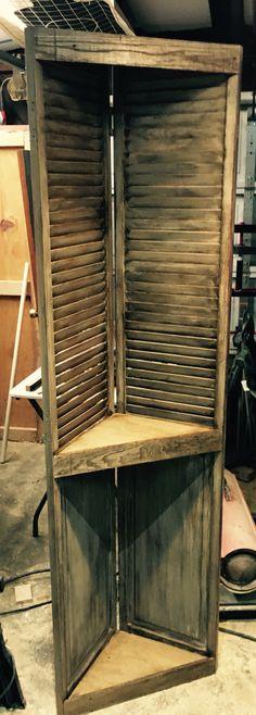 Repurposed Bifold Door Corner Shelf. This one was too easy !