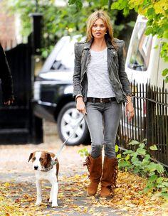 The uber fabulous Kate doing her Supermodel Stroll