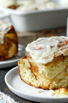 If mall-hopping takes you past the cinnamon bun counter, just keep on walking — right back to your kitchen. Homemade is so much better. Love those ooey-gooey cinnamon buns you find at the shopping mall? These sweet, tender cinnamon buns, crowned with a thick dollop of rich cream cheese icing, make a trip to the mall unnecessary. Cinna-Buns Recipe