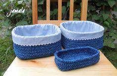 Kdysi jsem nabídla ke zveřejnění své výrobky výrobci přízí s kontaktem na mne. Docela jsem na to zapomněla. Až jednou přišel e-mail s prosb... Free Crochet, Knit Crochet, T Shirt Yarn, Outdoor Furniture, Outdoor Decor, Diy And Crafts, Ottoman, Baby Shoes, Knitting