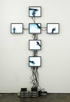 Video installation ~ 'Attempt to fill an empty space (Performance Anxiety)' by Andrew Newman 2008
