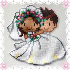 Couple - Wedding perler beads by Sofias Pysselhörna Fuse Bead Patterns, Perler Patterns, Craft Patterns, Beading Patterns, Creation Image, Pearl Crafts, Pixel Beads, Kawaii Diy, Fusion Beads