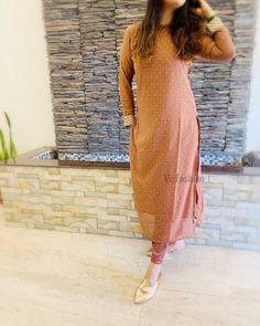 Printed Kurti Designs, Silk Kurti Designs, Salwar Designs, Kurta Designs Women, Latest Dress Design, Stylish Dress Designs, Fashion Wear, Women's Fashion Dresses, Dress Outfits