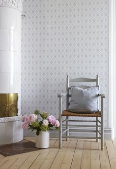 Wallpaper Lilly from collection Falsterbo II - Scandinavian Wallpaper Scandinavian Interior, Scandinavian Wallpaper, Swedish Decor, Home And Living, Living Room, Swedish Interiors, Interior And Exterior, Interior Design, Swedish House
