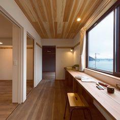 maruさんの、木のぬくもり,海が見える家,机,のお部屋写真