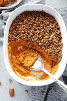The best ever vegan sweet potato casserole with pecan crumble. Super easy to make, naturally sweetened with a delicious creamy base and a sweet & crunchy toasted topping. The perfect dish for the holidays!