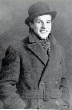 Gene Kelly, 1929, 17 years old