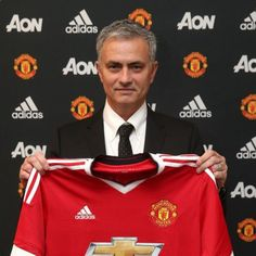 Just as widely speculated Manchester United signed Mourinho as new Coach.Jose Mourinho will be replacing Dutchman Louis van Gaal, who was dismissed on Monday. As reported on Man Utd's offic…