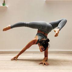 Beautiful Yoga Poses, Yoga Master, Yoga Photos, Advanced Yoga, Yoga Day, Yoga For Flexibility, How To Start Yoga, Yoga Photography, Yoga Challenge