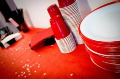 Décoration anniversaire homme adulte Decoration, Tableware, Birthday Display, Lilies, Decor, Dinnerware, Tablewares, Deko, Embellishments
