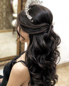 Sweet 16 Hairstyles, Quince Hairstyles, Veil Hairstyles, Hairstyle Ideas, Wedding Hair Side, Wedding Guest Hairstyles, Bridal Hair, Boho Wedding, Medium Hair Styles