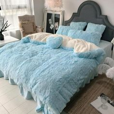 Warm Coral Fleece Shearling Bedding Set Sheet Cover Pillowcase - modvivi Y. Velvet Bedding Sets, Comforter Sets, Fleece Bed Sheets, Duvet Covers Uk, Room In A Bag, Warm Home Decor, Couch Throws, Bed Styling, Quilt Cover