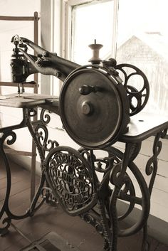Bradbury & Oldham Limited antique long arm sewing machine with hand turn wheel (no treadle) at Sherbrooke Village ~ Steampunk?