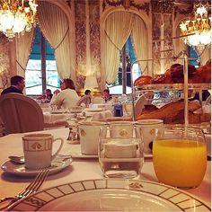 Beautiful Instragram photo from Le Meurice in Paris, Île-de-France / Jolie photo Instagram de Le Meurice à Paris, Île-de-France http://instagram.com/p/wGYl9CxBzP/?modal=true