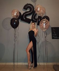 Cute Birthday Pictures, Simple Birthday Decorations, Birthday Ideas For Her, Birthday Goals, 18th Birthday Party, Birthday Party Photography, 24 Years, 30, Balloon Decorations Party
