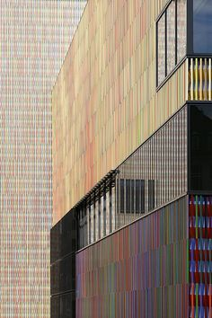 Like a large, abstract painting | Architecture at Stylepark