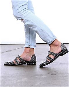 5f3ae4a69594e 17 Best FREDA SALVADOR SHOES images in 2016 | Oxford shoe, Savior, Shoe