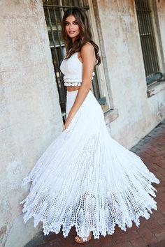 Long Ivory Dress, Ivory Dresses, Dress Lace, Crochet Skirts, Crochet Clothes, Crochet Tops, Crochet Lace, Tunic Dress Patterns, Crochet Wedding Dresses