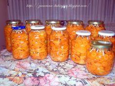 Ovo je već dugo zimnica broj jedan u mojoj kući. Napominjem samo da nije podjednako ukusna od crvene i narandžaste paprike. Na...