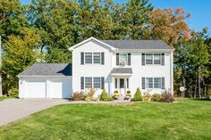 5 bedroom, 3 bath home in a nice subdivision with shared private beach rights to Lakewood on Winnisquam. The house sits on a nicely landscaped lot with grassy areas to enjoy and a private back deck off the kitchen and dining room. | 89 Sarah Circle Laconia, NH 03246