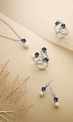PANDORA. Mystic Floral pieces from the Autumn collection 2014 communicate a mood that is soft, mystical and romantic.