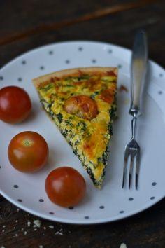 Quiche cu ricotta si leurda Quiche Lorraine, High Tea, Interior Design Kitchen, Ricotta, Avocado Toast, Good Food, Food And Drink, Cooking Recipes, Vegetarian