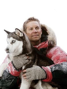 Paul Walker in Eight Below. one of my Favorite Movies ❤ but every time I see a picture of Paul Walker I feel so incredibly sad. Paul Walker Movies, Rip Paul Walker, Cody Walker, Paul Walker Photos, Husky, Fast And Furious, Best Actor, Mans Best Friend, Gorgeous Men