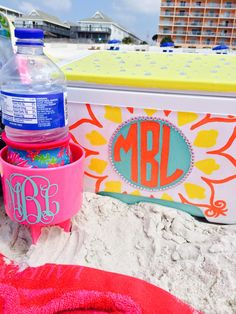 Beach necessities! Cooler by @mickaelalynn