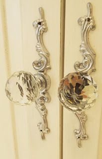 These ornate rococo style door handles are beautiful! Door Knobs And Knockers, Knobs And Pulls, Yellow Cottage, Yellow Houses, Or Antique, Antique Hardware, Antique Decor, Shades Of Yellow, White Bathroom